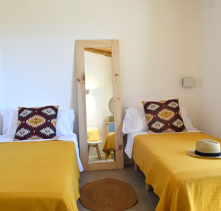 boho style twin bedroom