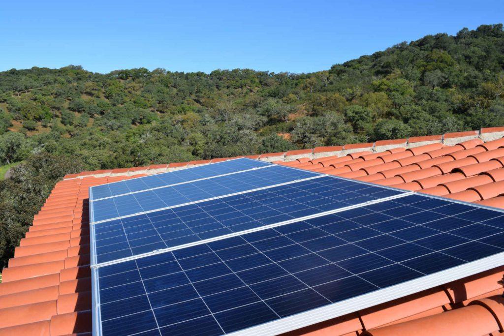 solar panels at Finca Bravo