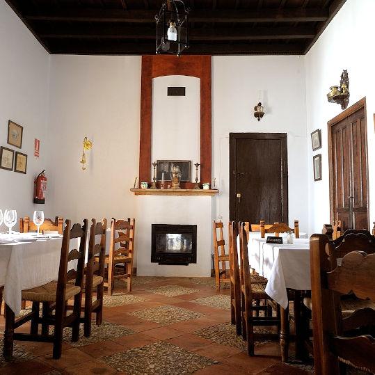 El Padrino traditional cosy interior